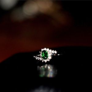925 Sterling Silver Emerald CZ Ring